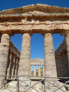Segesta temple facade