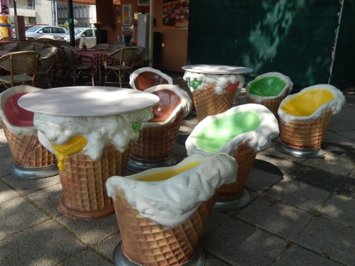 Even the ice-cream furniture is melting :-)