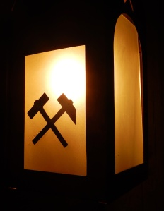 I loved this symbol which was to found on many objects in the mine - in this case on a lamp