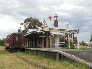 Grenfell Railway Station from track side Source: Wikimedia Author: Geez-oz