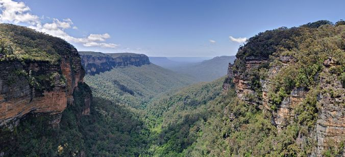 Jamison Valley, Blue Mountains source: Wikipedia Creative Commons Author: diliff