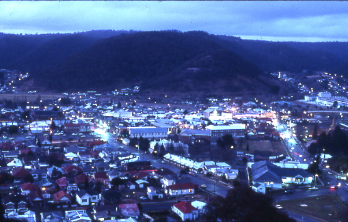 Lithgow by Night  Author Sardaka at en.wikipedia