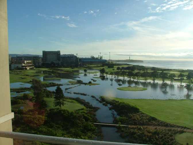 W'gong Golf Course Under Water April 2009 005 (2)