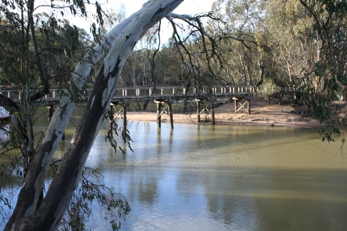 Swan Hill, near the Art Gallery, another glimpse of the Murray River