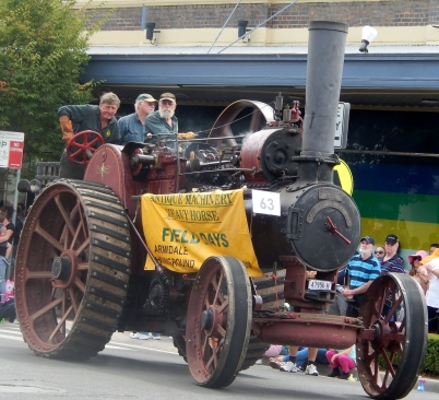 Antique Machinery Armidale Street Parade March 2014