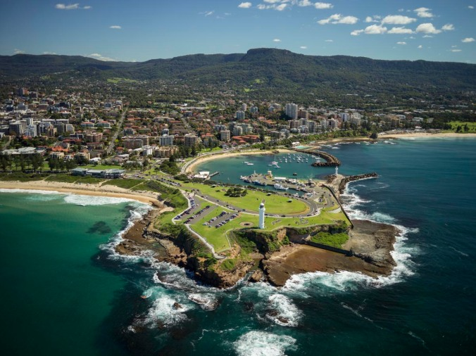 Aerial view of Flagstaff Hill, Belmore Basin and Wollongong (courtesy DW)