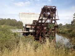 gold-mining-dredge-eldorado-victoria-december-2016-3-1024x765