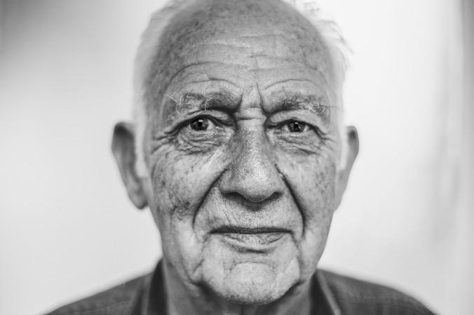 old-man-1208210_1920