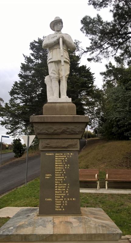 Nelligan War Memorial (1) (431x800)