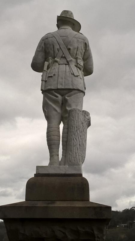 Nelligan War Memorial (3) (450x800)